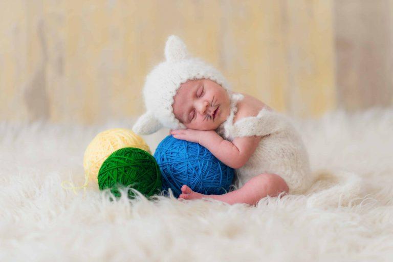 Estudio de fotografia newborn con luz natural en Sant Boi de Llobregat, Barcelona